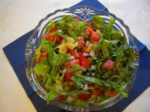 Sałata rzymska, papryka, pomidory, cebula